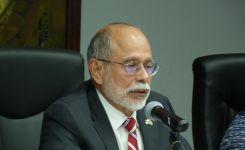 DASD Sergio de la Peña Addresses Perry Center Alumni in Panama
